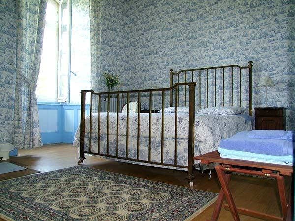 4 chambres d 39 hotes de charme une demeure du 18 me v n s - Chambre d hote fontjoncouse ...